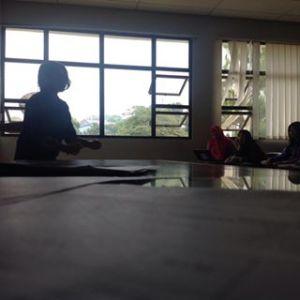 Juru Dongéng; di Kelas Mata Kuliah Aprésiasi Prosa